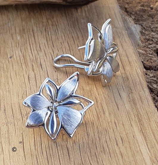 Boucles D'oreilles Petite Fleur Mat Et Brillant