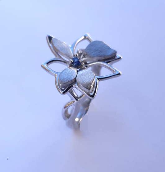Bague Fleurine Saphir Et Diamants Petit Modèle