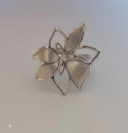 Bague Fleurine Diamants