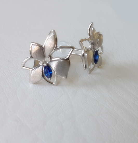 Boucles D'oreilles Petite Fleur Saphir Bleu